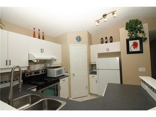 Photo 8: 15 APPLEMEAD Court SE in Calgary: Applewood Park House for sale : MLS®# C4108837