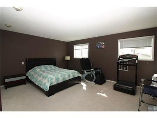Photo 17: 15 APPLEMEAD Court SE in Calgary: Applewood Park House for sale : MLS®# C4108837