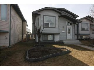 Photo 2: 15 APPLEMEAD Court SE in Calgary: Applewood Park House for sale : MLS®# C4108837