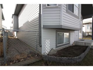 Photo 4: 15 APPLEMEAD Court SE in Calgary: Applewood Park House for sale : MLS®# C4108837