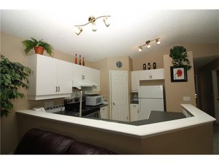 Photo 7: 15 APPLEMEAD Court SE in Calgary: Applewood Park House for sale : MLS®# C4108837