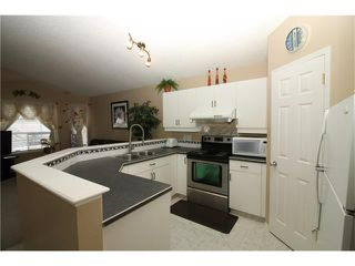 Photo 6: 15 APPLEMEAD Court SE in Calgary: Applewood Park House for sale : MLS®# C4108837