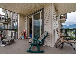 """Photo 2: 301 9060 BIRCH Street in Chilliwack: Chilliwack W Young-Well Condo for sale in """"ASPEN GROVE"""" : MLS®# R2181061"""