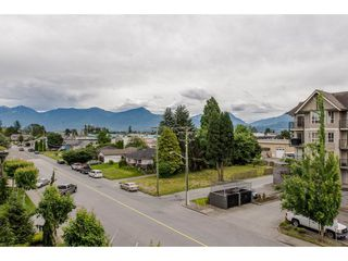 """Photo 20: 301 9060 BIRCH Street in Chilliwack: Chilliwack W Young-Well Condo for sale in """"ASPEN GROVE"""" : MLS®# R2181061"""