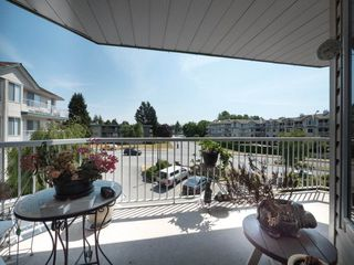"Photo 20: 202 5363 206 Street in Langley: Langley City Condo for sale in ""Park Estates II"" : MLS®# R2188125"