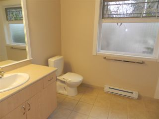 Photo 11: 5641 NICKERSON Road in Sechelt: Sechelt District House for sale (Sunshine Coast)  : MLS®# R2189858