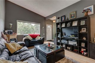 Photo 6: 3106 DOVER CR SE in Calgary: Dover House for sale : MLS®# C4122149