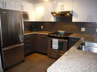 "Photo 2: 906 14 BEGBIE Street in New Westminster: Quay Condo for sale in ""Interurban"" : MLS®# R2205240"