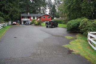 Photo 2: 3170 Old Clayburn Road in Abbotsford: Abbotsford East House for sale : MLS®# R2211012