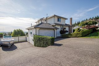 "Photo 3: 670 CLEARWATER Way in Coquitlam: Coquitlam East House for sale in ""Lombard Village- Riverview"" : MLS®# R2218668"