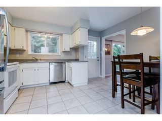 """Photo 9: 1547 129 Street in Surrey: Crescent Bch Ocean Pk. House for sale in """"Ocean Park"""" (South Surrey White Rock)  : MLS®# R2232017"""