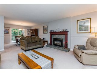 """Photo 5: 1547 129 Street in Surrey: Crescent Bch Ocean Pk. House for sale in """"Ocean Park"""" (South Surrey White Rock)  : MLS®# R2232017"""