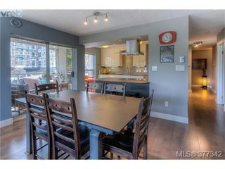 Photo 12: 206 1500 Elford Street in VICTORIA: Vi Fernwood Residential for sale (Victoria)  : MLS®# 377342