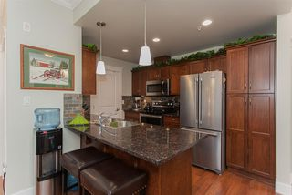 """Photo 7: 307 2068 SANDALWOOD Crescent in Abbotsford: Central Abbotsford Condo for sale in """"The Sterling"""" : MLS®# R2250934"""