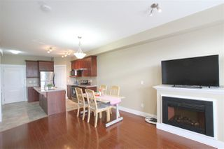 Photo 4: 207 7908 GRAHAM Avenue in Burnaby: East Burnaby Townhouse for sale (Burnaby East)  : MLS®# R2284401