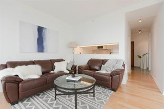 "Photo 3: 2904 1200 ALBERNI Street in Vancouver: West End VW Condo for sale in ""Palisades"" (Vancouver West)  : MLS®# R2287516"