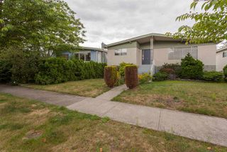 Photo 2: 2516 E 12TH Avenue in Vancouver: Renfrew VE House for sale (Vancouver East)  : MLS®# R2295768