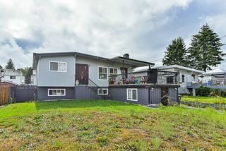Photo 2: 11862 98A Avenue in Surrey: Royal Heights House for sale (North Surrey)  : MLS®# R2311589