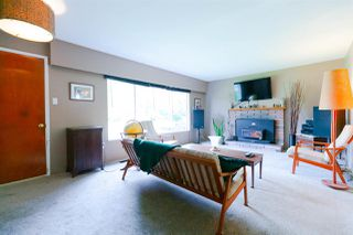 Photo 1: 3317 HANDLEY Crescent in Port Coquitlam: Lincoln Park PQ House for sale : MLS®# R2322006