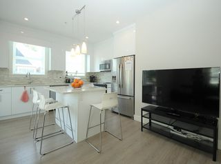 Photo 2: 37 20856 76 Avenue in Langley: Willoughby Heights Townhouse for sale : MLS®# R2323420
