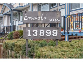 """Photo 2: 40 13899 LAUREL Drive in Surrey: Whalley Townhouse for sale in """"Emerald Gardens"""" (North Surrey)  : MLS®# R2327944"""