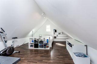 Photo 16: 21293 DOUGLAS Avenue in Maple Ridge: West Central House for sale : MLS®# R2329324