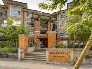 Main Photo: 416 600 KLAHANIE Drive in Port Moody: Port Moody Centre Condo for sale : MLS®# R2340271