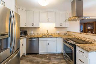 Photo 10: 3434 HILL VIEW Crescent in Edmonton: Zone 29 House for sale : MLS®# E4151438