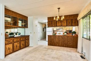 """Photo 4: 22 2306 198 Street in Langley: Brookswood Langley Manufactured Home for sale in """"CEDAR LANE 55+"""" : MLS®# R2361882"""