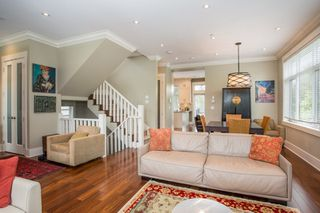 Photo 3: 403 W 19TH Avenue in Vancouver: Cambie House for sale (Vancouver West)  : MLS®# R2367913