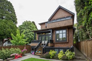 Photo 19: 403 W 19TH Avenue in Vancouver: Cambie House for sale (Vancouver West)  : MLS®# R2367913
