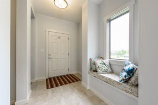 Photo 2: 5421 MCLUHAN End in Edmonton: Zone 14 House for sale : MLS®# E4162040