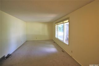 Photo 3: 320 East Place in Saskatoon: Eastview SA Residential for sale : MLS®# SK776989