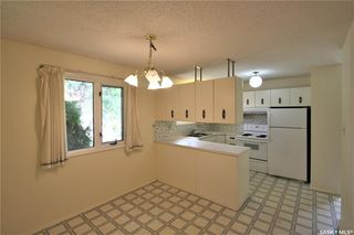 Photo 4: 320 East Place in Saskatoon: Eastview SA Residential for sale : MLS®# SK776989