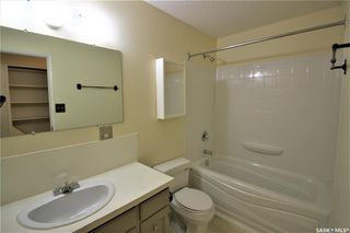 Photo 7: 320 East Place in Saskatoon: Eastview SA Residential for sale : MLS®# SK776989