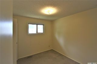 Photo 11: 320 East Place in Saskatoon: Eastview SA Residential for sale : MLS®# SK776989