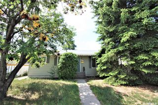 Photo 2: 320 East Place in Saskatoon: Eastview SA Residential for sale : MLS®# SK776989