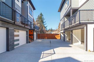 Photo 3: 101 817 Arncote Ave in VICTORIA: La Langford Proper Row/Townhouse for sale (Langford)  : MLS®# 818776
