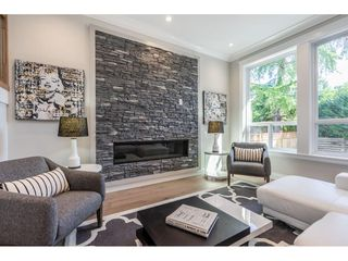 Photo 3: 11736 193A Street in Pitt Meadows: South Meadows House 1/2 Duplex for sale : MLS®# R2399977