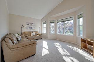 Photo 2: 4540 Turner Square in Edmonton: Zone 14 House for sale : MLS®# E4174372