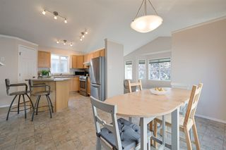 Photo 9: 4540 Turner Square in Edmonton: Zone 14 House for sale : MLS®# E4174372