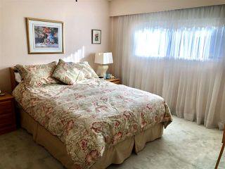 Photo 3: 9640 SNOWDON Avenue in Richmond: South Arm House for sale : MLS®# R2438920
