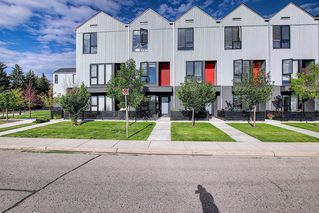 Main Photo: 3523 69 Street NW in Calgary: Bowness Row/Townhouse for sale : MLS®# A1021819