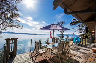 Photo 2: 4817 Cannon Cres in : GI Pender Island House for sale (Gulf Islands)  : MLS®# 854928