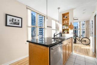 """Photo 3: 1007 989 RICHARDS Street in Vancouver: Downtown VW Condo for sale in """"THE MONDRIAN"""" (Vancouver West)  : MLS®# R2497605"""