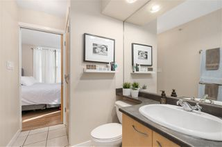 """Photo 7: 1007 989 RICHARDS Street in Vancouver: Downtown VW Condo for sale in """"THE MONDRIAN"""" (Vancouver West)  : MLS®# R2497605"""