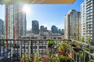 """Photo 1: 1007 989 RICHARDS Street in Vancouver: Downtown VW Condo for sale in """"THE MONDRIAN"""" (Vancouver West)  : MLS®# R2497605"""