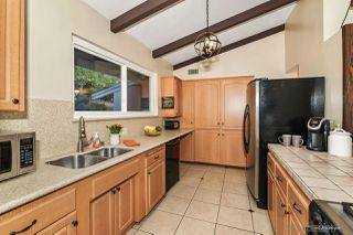 Photo 9: MOUNT HELIX House for sale : 3 bedrooms : 10814 Calavo in La Mesa