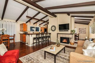 Photo 5: MOUNT HELIX House for sale : 3 bedrooms : 10814 Calavo in La Mesa