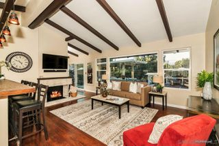 Photo 2: MOUNT HELIX House for sale : 3 bedrooms : 10814 Calavo in La Mesa
